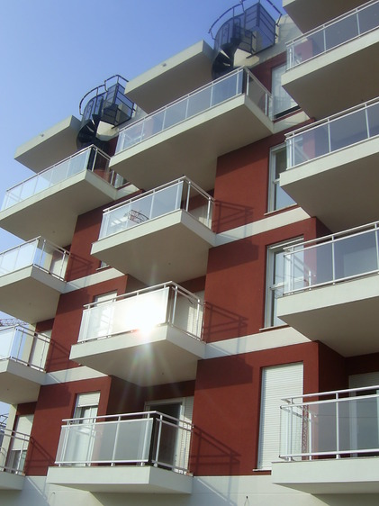 20 viviendas y garajes en bellreguard for Piscina cubierta catarroja